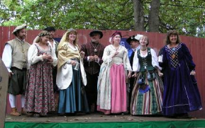 The Elizabethan Syngers at Pine Tree Apple Orchard